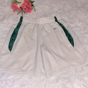 Nike boys white and green basketball shorts M 8-10